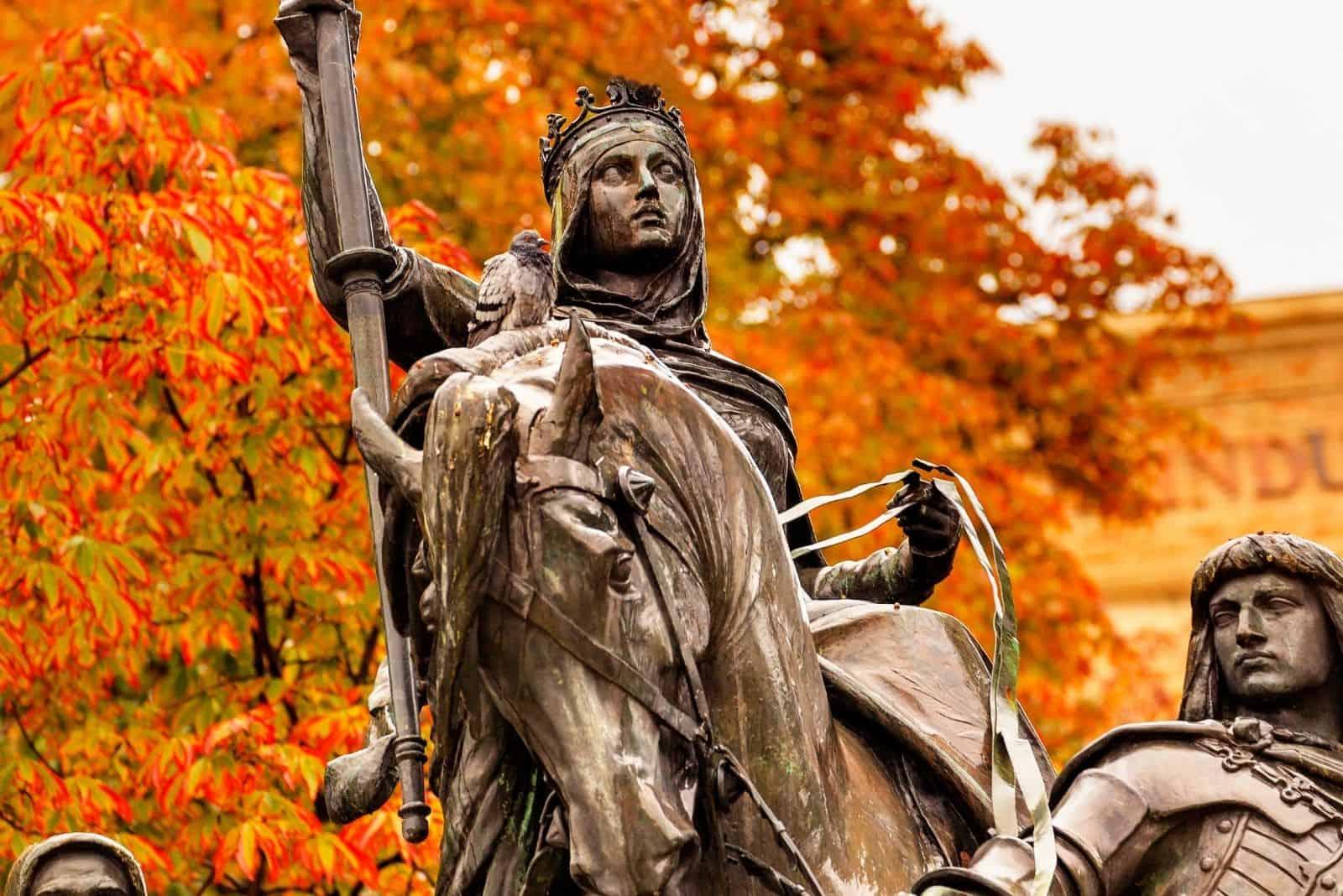 Queen Isabella statue marching into Granada 1492 Paseo dela Castelle